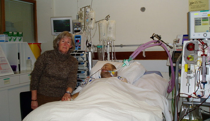 David with his wife on ICU in hospital